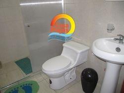 Baños del dormitorio 1 con agua caliente