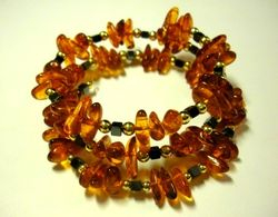 09-00146 Tumbled Amber Wire Bracelet 20 Inches