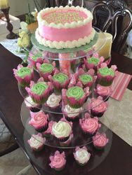 Cupcakes on stand