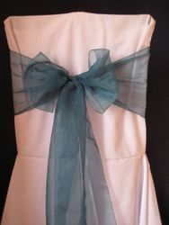 Teal, wide voile.