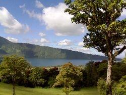 Lake Beratan (Danau Beratan) Scenery