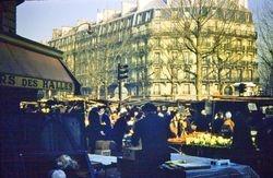 589 Street market Paris