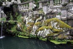 Fountain of the River Gods, middle level, Villa Lante, Bagnaia, 1570s
