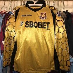Stephen Henderson 2012/!3 issued goalkeeper shirt