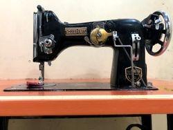 Three Star 130-k Zigzag/Pico/Embroidery Sewing Machine