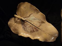 Maroon Leaf Platter Detail