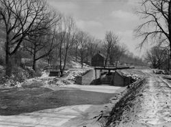 Lock 39 behind Old Boathouse 1943