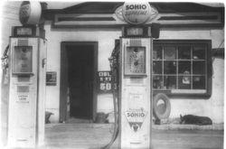 1938 Sohio Station