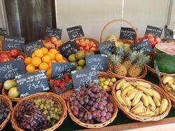 Rangiroa fruits and veg stand