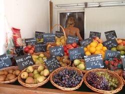 Rangoria fruit and veg stand