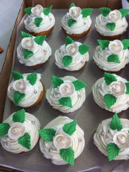 White Roses cupcakes for wedding