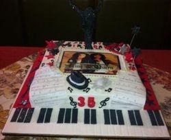 Michael Jackson & Whitney Houston Themed Cake