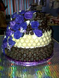 Purple Roses on Truffel Cake