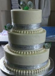 3 tier butter icing wedding cake
