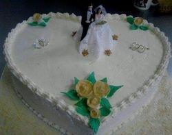 Heartshape one tier wedding cke