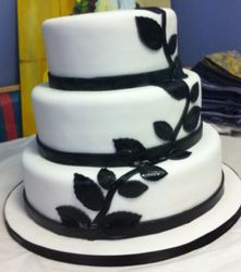 Three tier with Black Rosesleaves