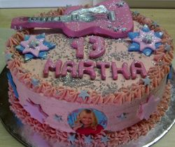 Hannah Montana pink cake