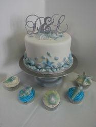 One Tier Wedding Cake with Fondant Seashells and Cupcakes with White Chocolate Seashells