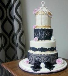 Birdcage themed wedding cake