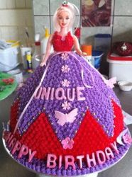 Doll cake purple and red buttericing