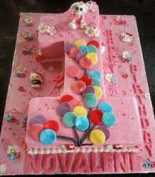 Nr 1 themed cake with fondant balloons