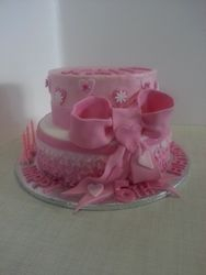 Frills and fondant bow - birthday cake