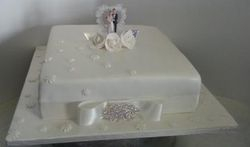 Single layer wedding anniversary themed cake