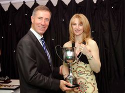 Andy Green Presents Amanda with the MonopostoTrophy