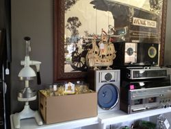 Vintage radios, record players & housewares