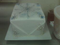 Snowflake present cake