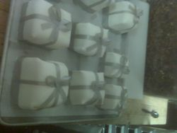 the last of 900 Cakes for Richmond's Grand Illumination Party!