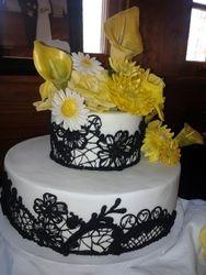 2 tier wedding Cake with sugar Flowers W