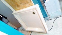 Stone resin shower tray