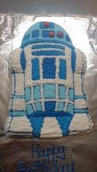 R2 D2 Star Wars Cake