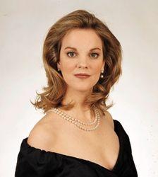 Mary Mills , soprano