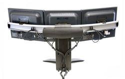 Vista trasera de Base triple o soporte para monitores Pantallas LCD LED