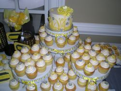 Tiffany's wedding cupcakes!