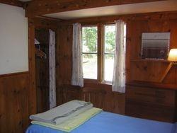 Twin bedroom - North West