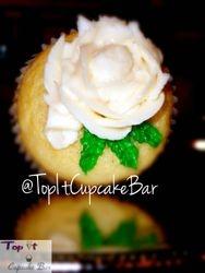 Valentine's Flower cupcake