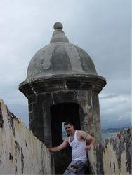 Victor at sentry box of el Morro