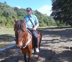 Gilberto a caballo