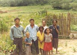 Miguel y Cesar, con familia
