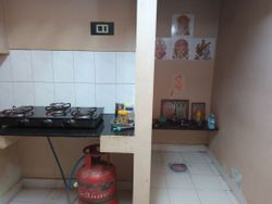 Gas stove and pray area