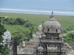 Arupadai Murugan temple bang next to the guest house