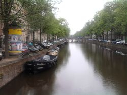 Um dos canais - One of the channels of Amsterdam