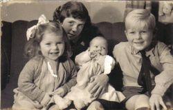 Helen, Joanne, Marian and David Weale