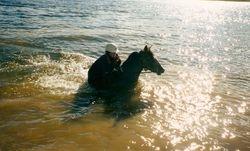 Taffindra swimming in Tantangra Dam 03