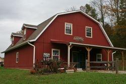 Large Renovated Barn Duplex Lower Level