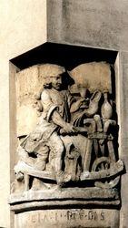 Corner Sculpture close to Saint Marie