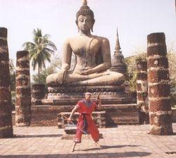 Arjarn Danny - Daab Song Mue in Ancient City Sukhothai